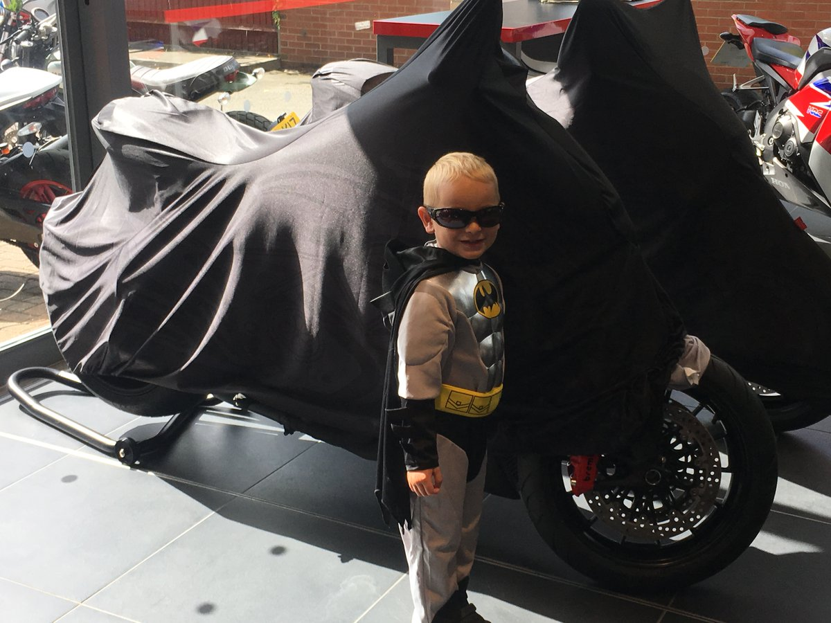 Breaking News. Batman unveils his new Diavel Diesel, and tries it on for size at Ducati Cambridge.  @DucatiUK https://t.co/CR2O5mbKCl