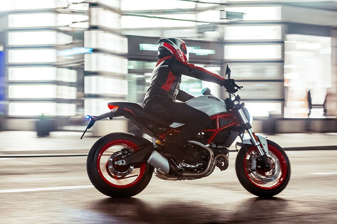 RT @DucatiUK: Ride to Work Week is just 7 days away #commutehappy https://t.co/35DaOFHlrb