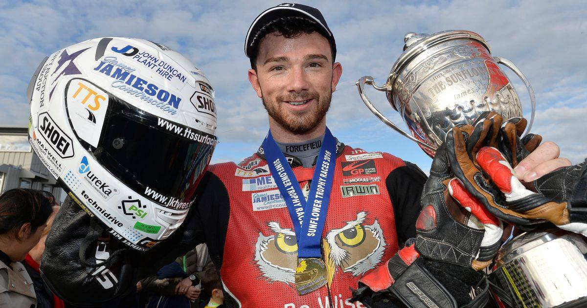 Fancy buying a bike from a British Superbike racer this weekend? Both Vindis Ducati stores will have the pleasure of welcoming Glenn Irwin on Saturday 25th November, Glenn will be at Ducati Peterborough in the morning and Ducati Cambridge in the afternoon.   We'll also be giving you the chance to come go-karting with us, and Glenn, on Sunday 26th November! How do you fancy your chances against a BSB racer?! Please contact your local Vindis Ducati showroom for more information. #BSB #racer
