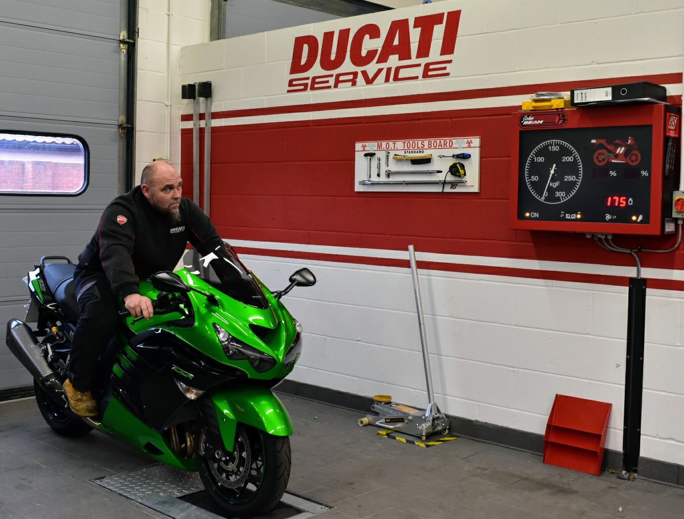 Ducati Cambridge are delighted to announce MOT testing for all manufacturers. Please call us on 01223 317959 to book your bike in ready for when summer season finally kicks in.