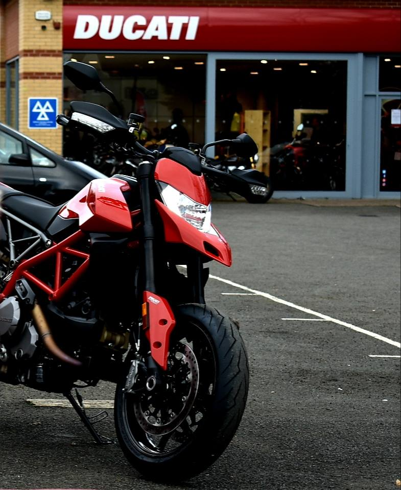 The 2019 Hypermotard 950 has arrived at Vindis Ducati! For more information or to test ride please call our Cambridge or Peterborough sites. #wildride #newyear #newducati