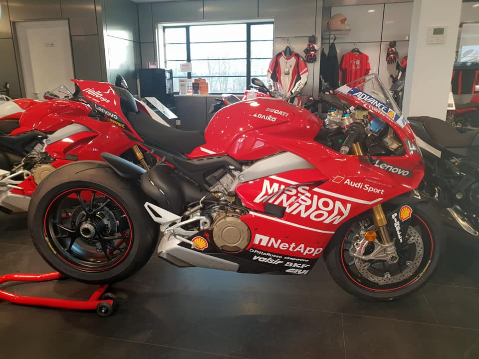 THIS WEEKEND ONLY  To celebrate our VIP sales event Ducati Peterborough and Cambridge are offering a FREE 2019 MotoGP decal kit fully fitted on all new V4 and 959 Panigale's! (excluding the corse models).   Available from the 15th-18th of February.  Come and see our display model at our Peterborough site! #forzaducati #motogp #panigale